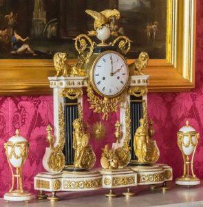 Напольные часы и эстетика нового времени