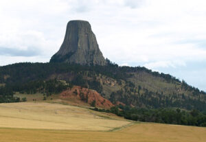 Легенды индейцев о золотой пещере Башни дьяволов