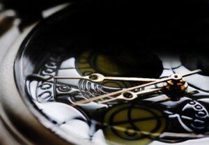 Закон времени и развитие общества